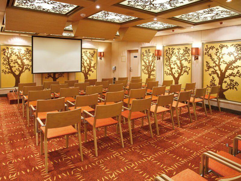Salle de conférence du bateau de croisière Costa Luminosa