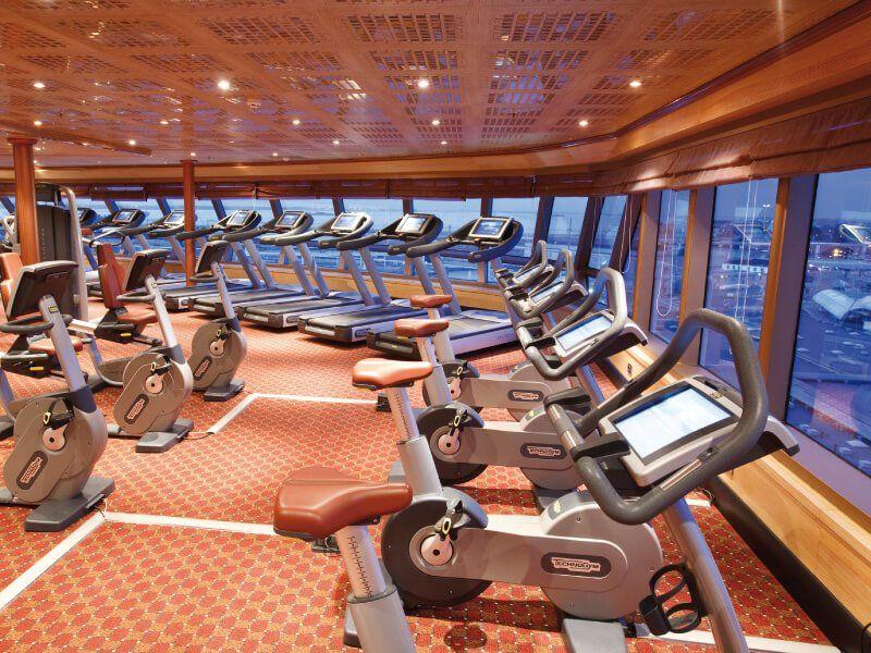 Salle de sport du bateau de croisière Costa Luminosa