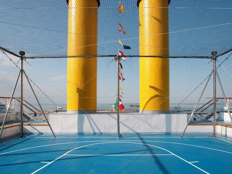 Terrain de sport du bateau de croisière Costa Luminosa