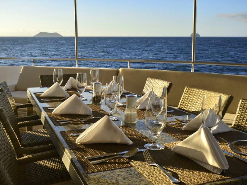 Al Fresco : bateau de croisière Celebrity Xploration