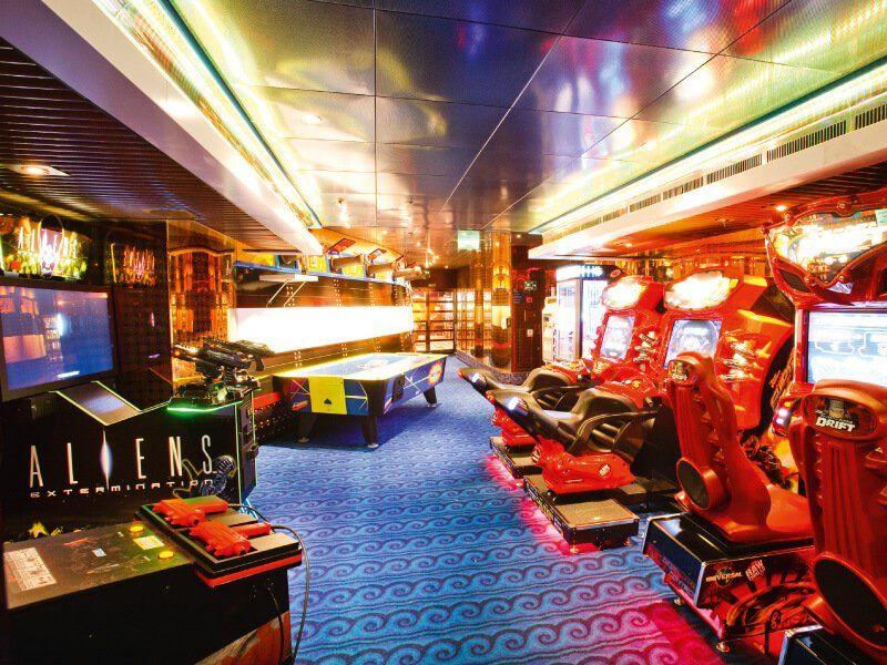 Salle de jeux du bateau de croisière Costa Pacifica