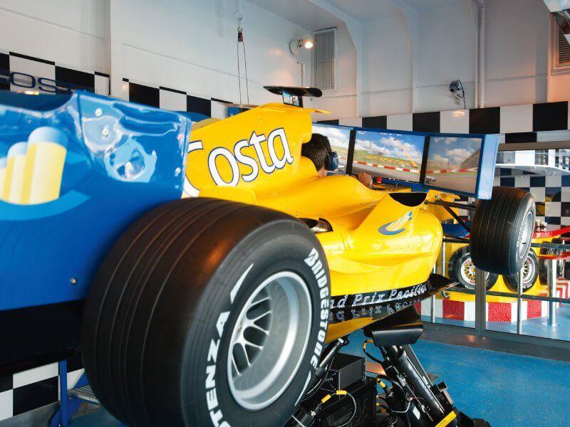 Simulateur de Formule 1 du bateau de croisière Costa Pacifica