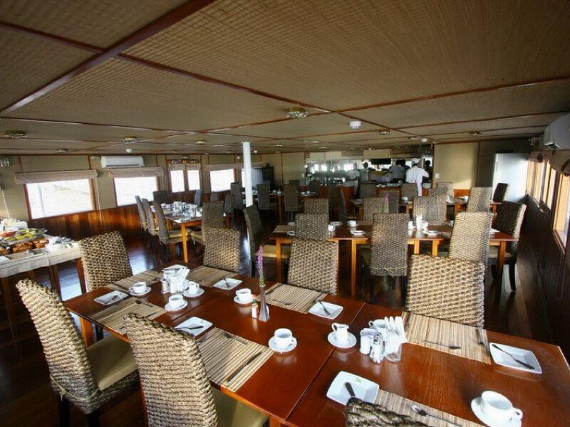 Restaurant du bateau RV Indochina Pandaw