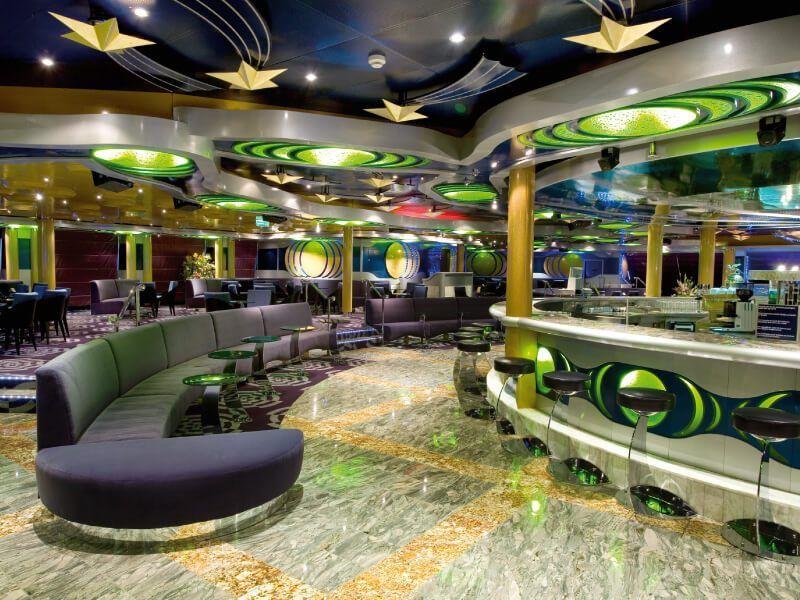 Lounge Bar du bateau de croisière Costa Serena