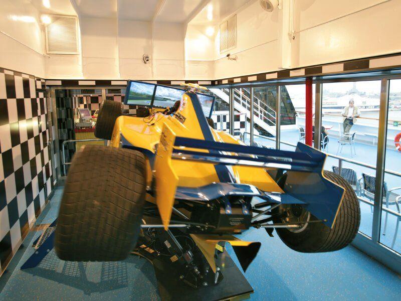 Profitez pleinnement d'un Simulateur de Formula 1 à bord du bateau de croisière Costa Serena