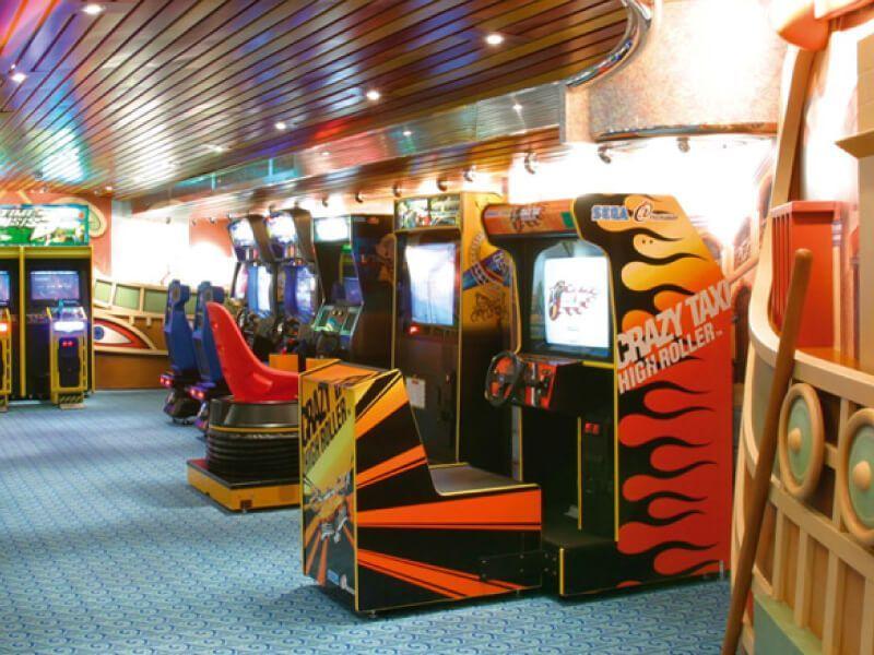 Salle de jeux du bateau de croisière Costa Magica