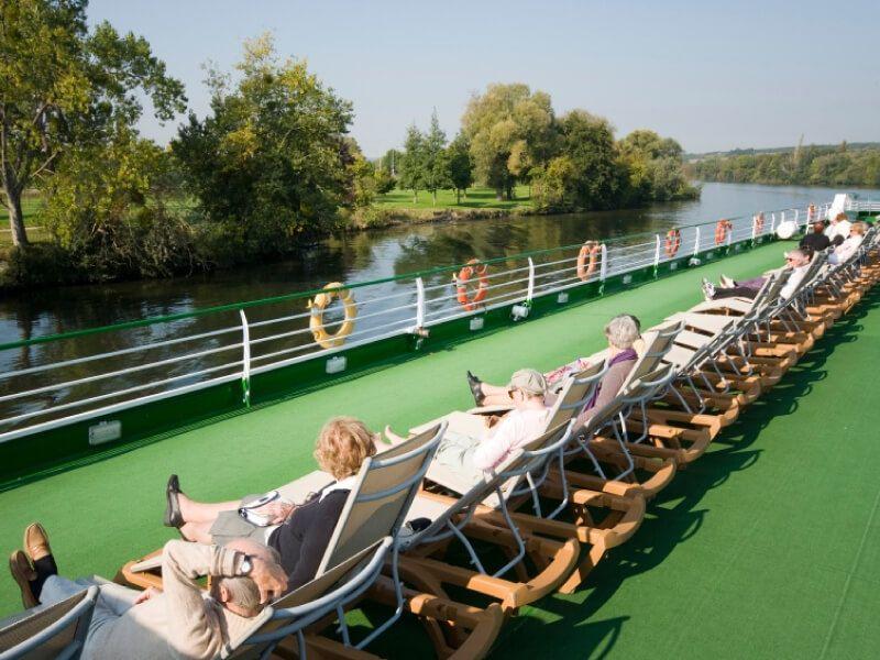 Pont soleil du bateau MS Monet