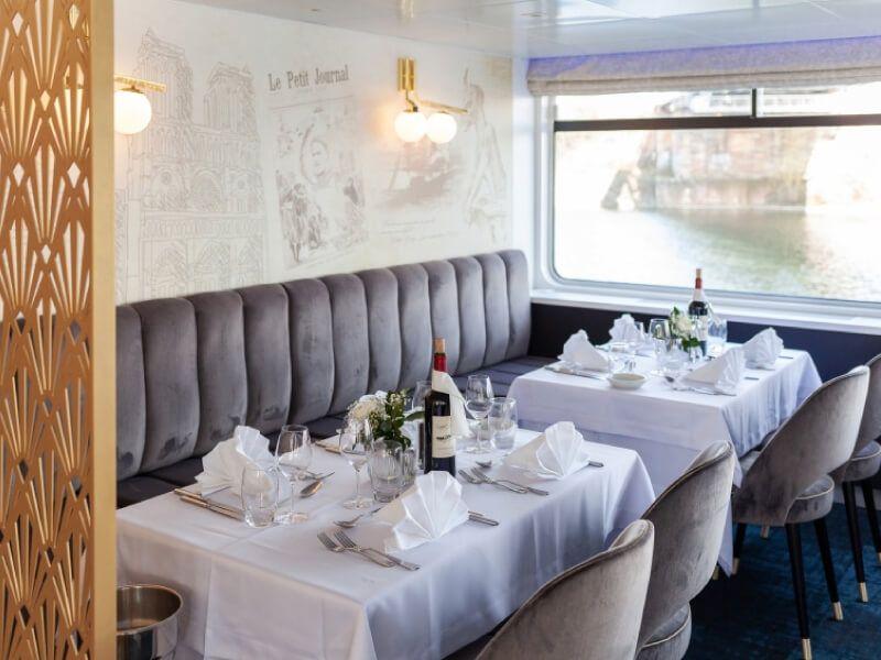 Restaurant du bateau MS Victor Hugo