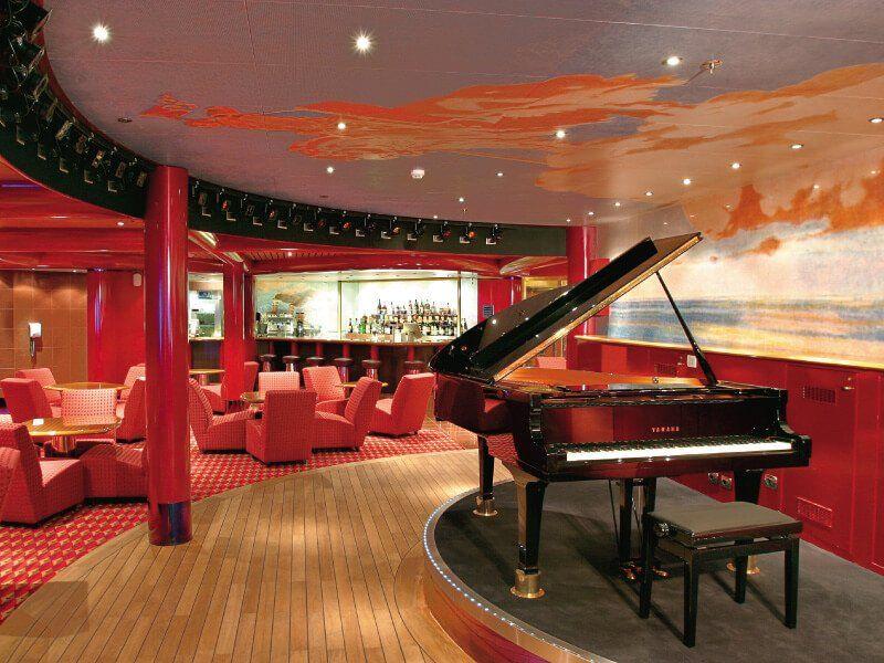 Piano Bar du bateau de croisière Costa Fortuna
