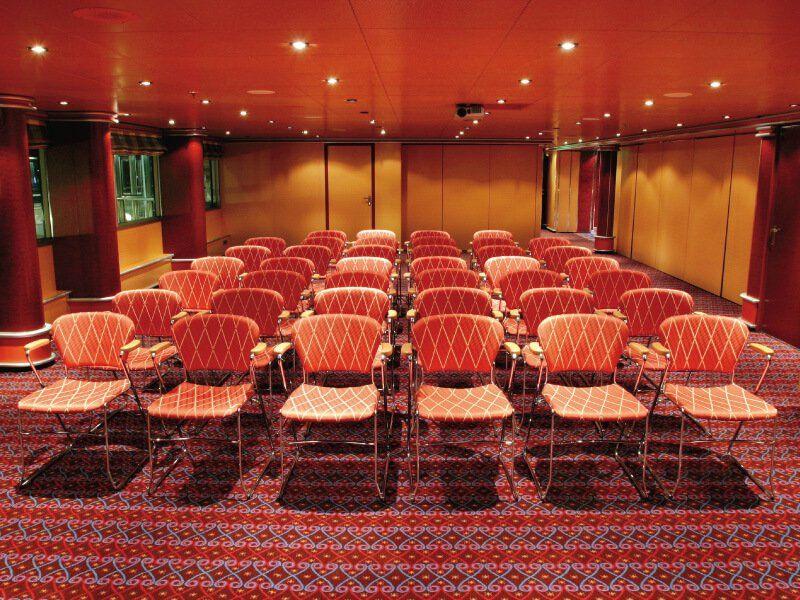 Salle de conférence du bateau de croisière Costa Fortuna