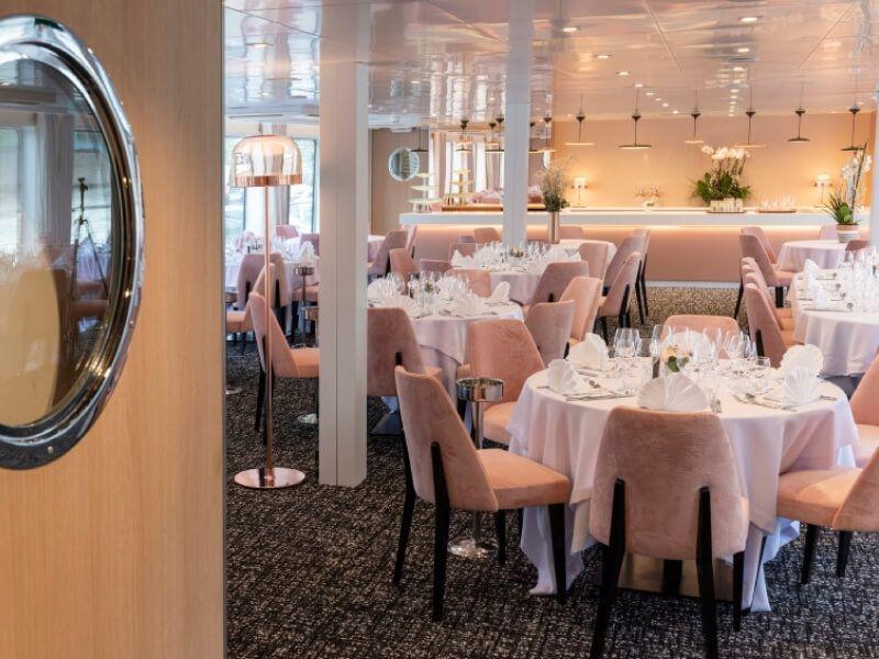 Restaurant du bateau MS Renoir
