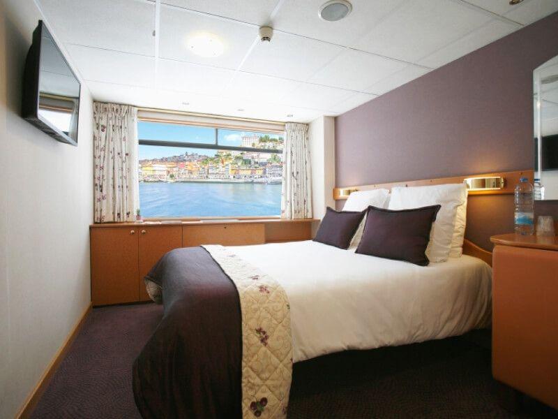 Cabine grand lit du bateau MS Infante don Henrique