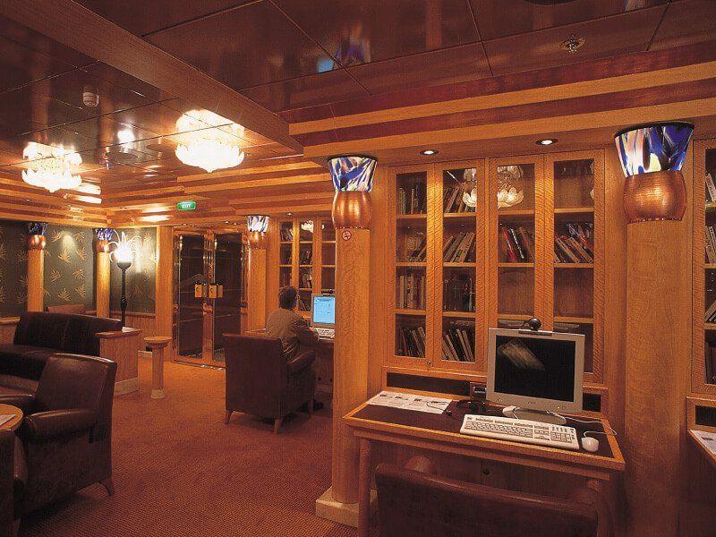 Bibliothèque du navire de croisière Costa Atlantica