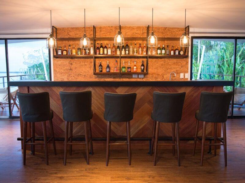 Salon bar du bateau Zafiro
