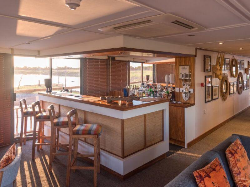 Salon bar du bateau RV African Dream