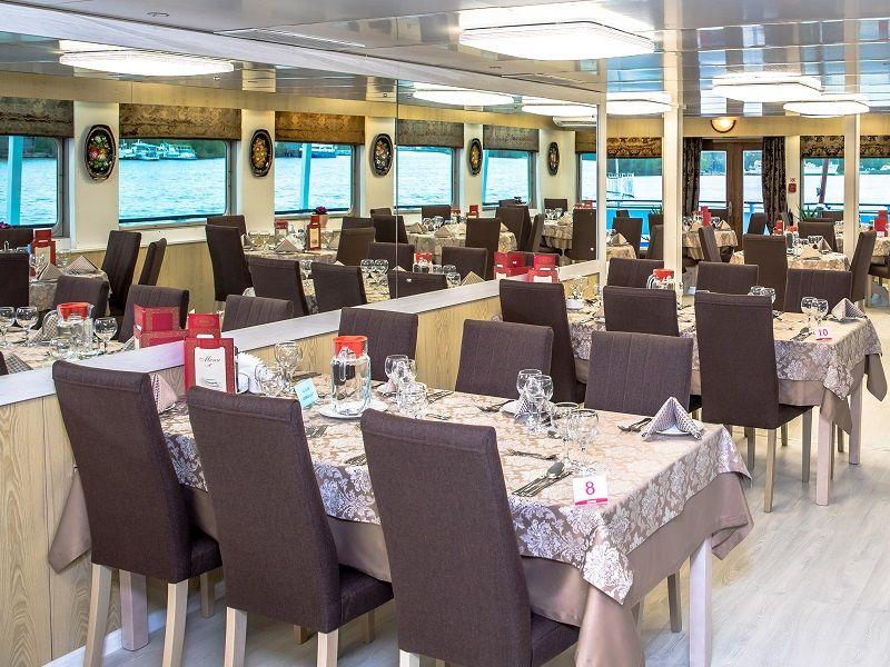 Grand restaurant à bord du Ms Kronstadt