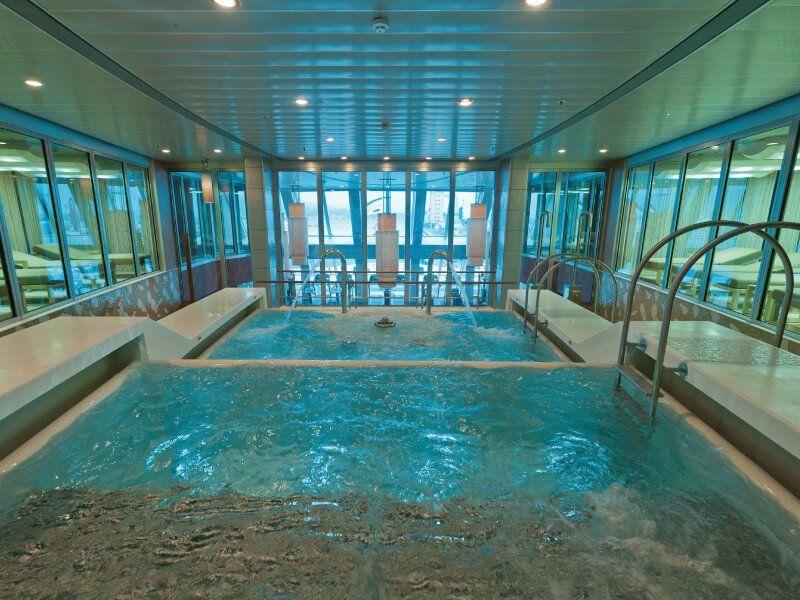 Piscine Spa du bateau de croisière Costa NeoRomantica
