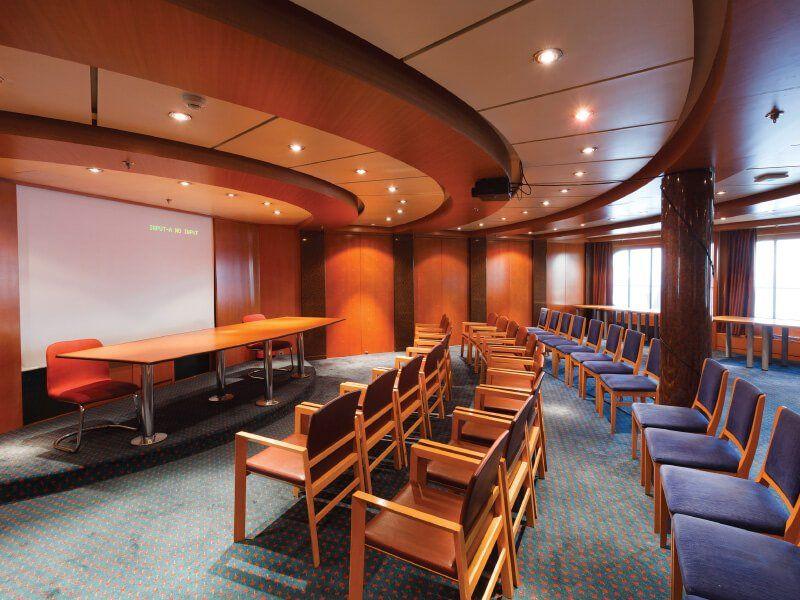 Salle de conférence du navire de croisière Costa Neoriviera