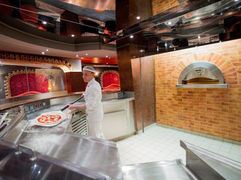 Pizzeria  du bateau de croisière MSC Preziosa