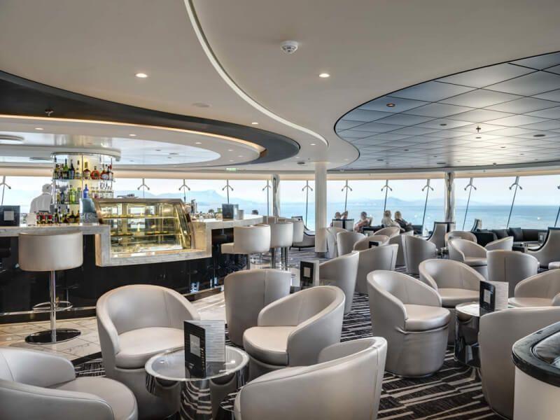 Salon bar du bateau de croisière MSC Virtuosa