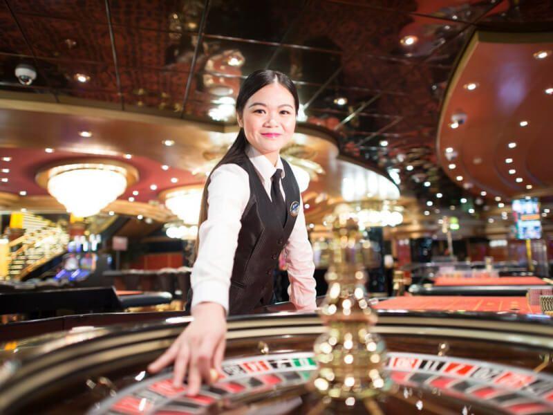Casino bar du bateau de croisière MSC Virtuosa