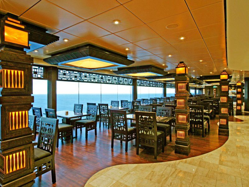 Restaurant panoramique du bateau de croisière MSC Fantasia