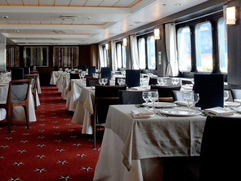 Restaurant du bateau MV Stella Australis