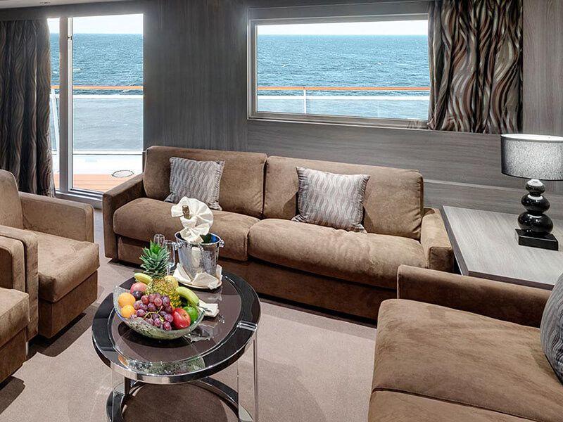 Salon de la suite royale du MSC Seashore