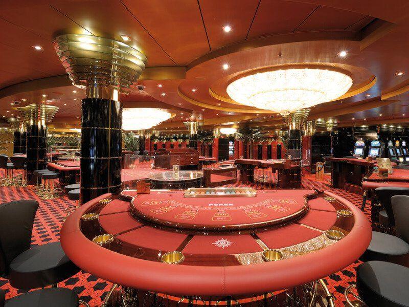Le casino du bateau de croisière MSC Poesia
