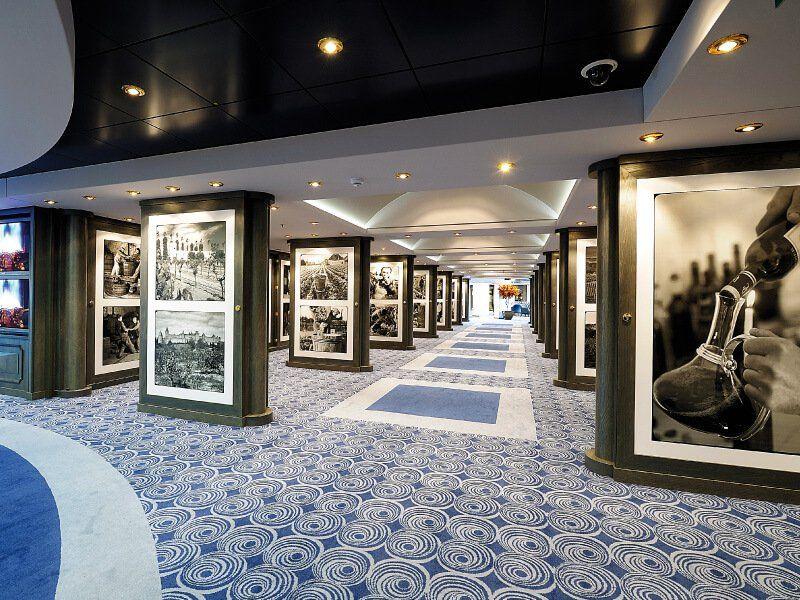Galerie d'art du bateau de croisière MSC Poesia