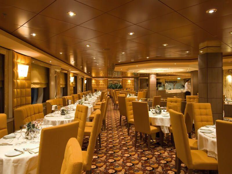 Restaurant Ibiscus du bateau de croisière MSC Orchestra