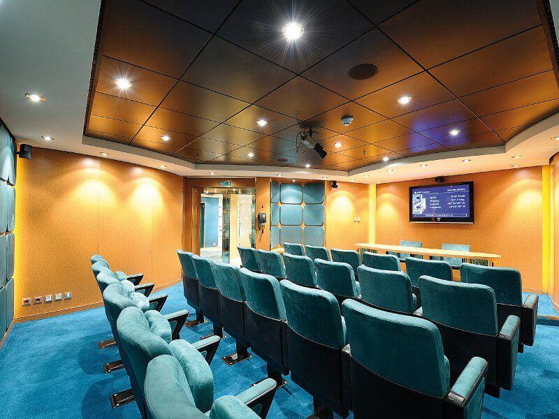 Salle de conférence du bateau de croisière MSC Orchestra