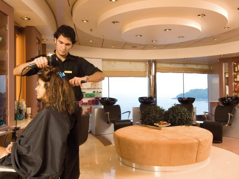 Salon de coiffure du bateau de croisière MSC Musica
