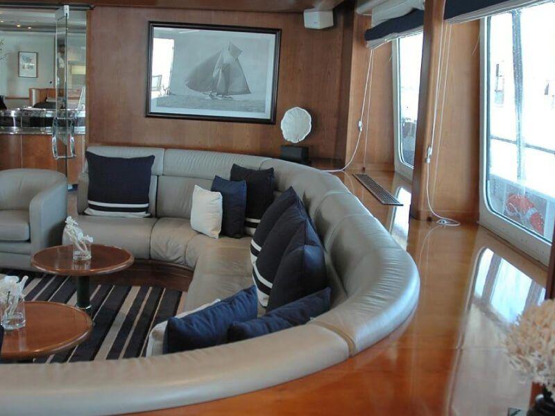 Détente à bord du bateau de croisière Le Ponant