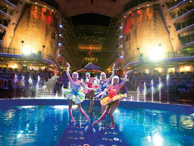Theatre-Aquatique-Oasis-of-the-Seas