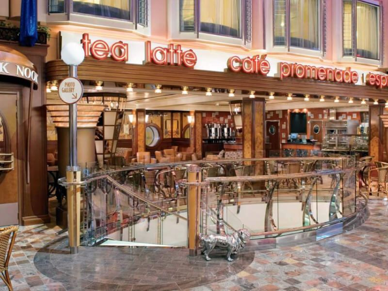 Cafe-Independence-of-the-Seas