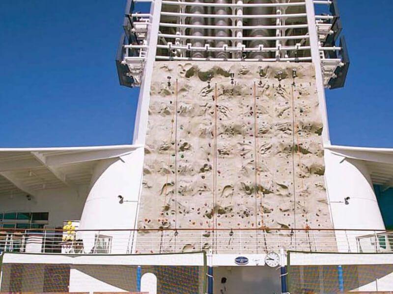 Mur-Escalade-Mariner-of-the-Seas