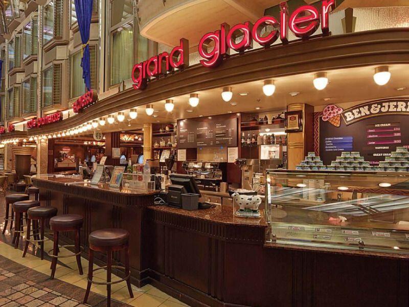 Royal-Promenade-Cafe-Mariner-of-the-Seas