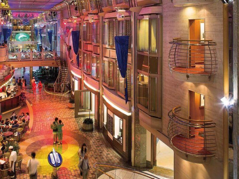 Royal-Promenade-Mariner-of-the-Seas
