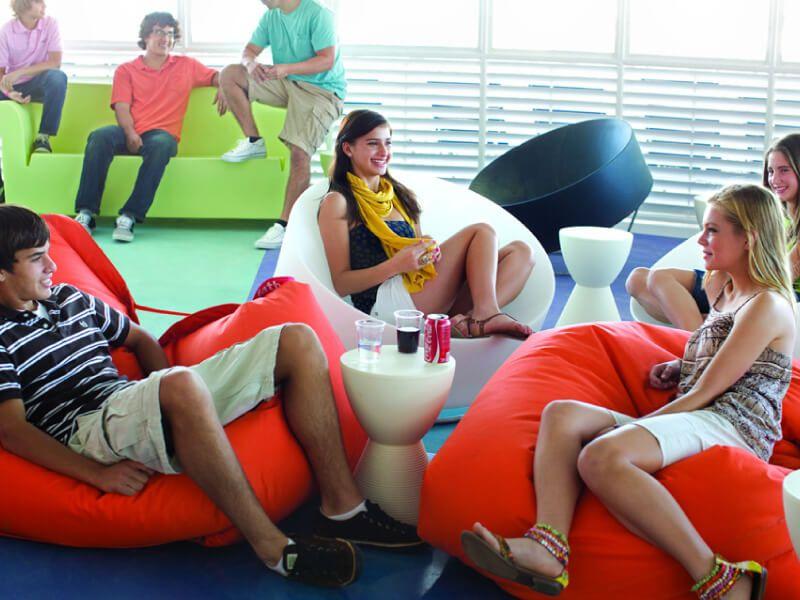 Zone dédiée aux adolescents à  bord du bateau de croisière Allure of the Seas