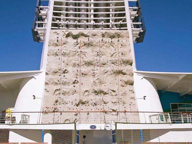 Mur-Escalade-Navigator-of-the-Seas
