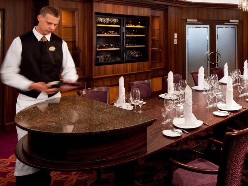 Restaurant-Chef-Brillance-of-the-Seas
