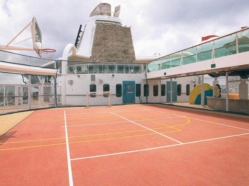 Terrain-de-sport-Brillance-of-the-Seas