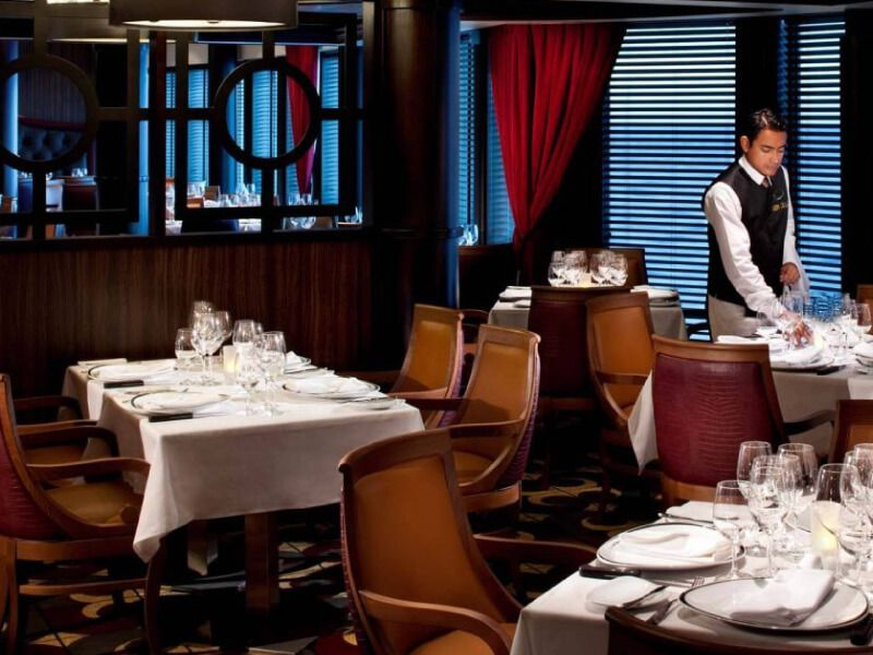 Restaurant-Chops-Grille-Serenade-of-the-Seas