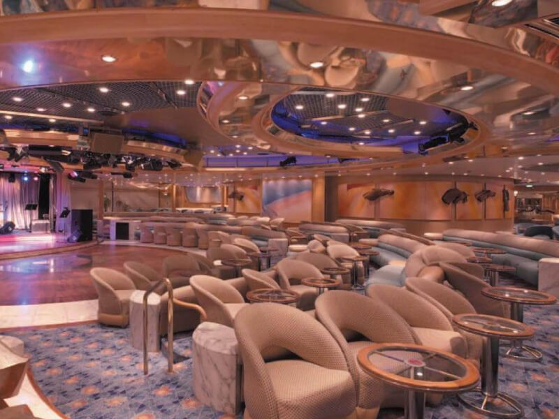 Lounge-Vision-of-the-Seas