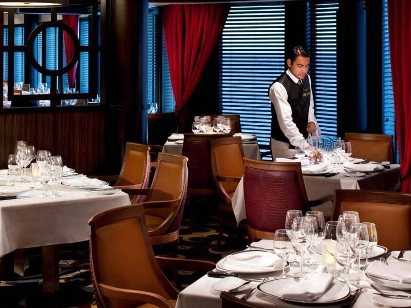Restaurant-Chops-Grille-Enchantment-of-the-Seas