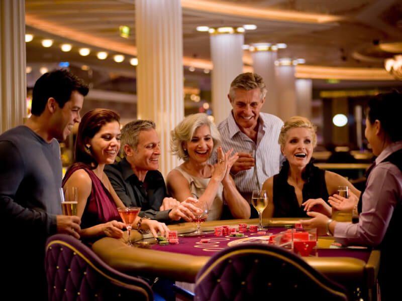 Le casino du bateau de croisière Celebrity Solstice
