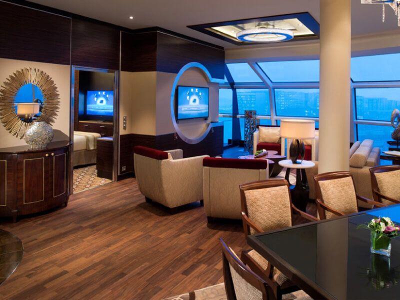 Salon du bateau de croisière Celebrity Reflection