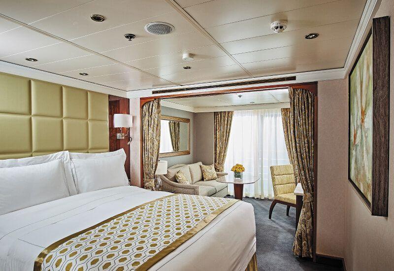 Suite CONCIERGE du bateau de croisière Seven Seas Navigator