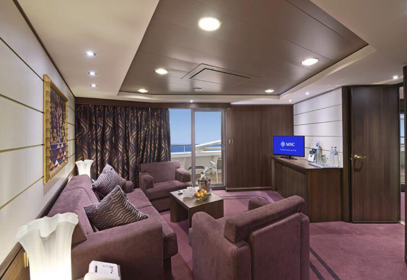 Suite du bateau de croisière MSC Divina